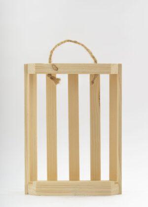 Dreveny stojan pre okruhle flase Makovicke scaled 1 300x420 - Drevený stojan na budík