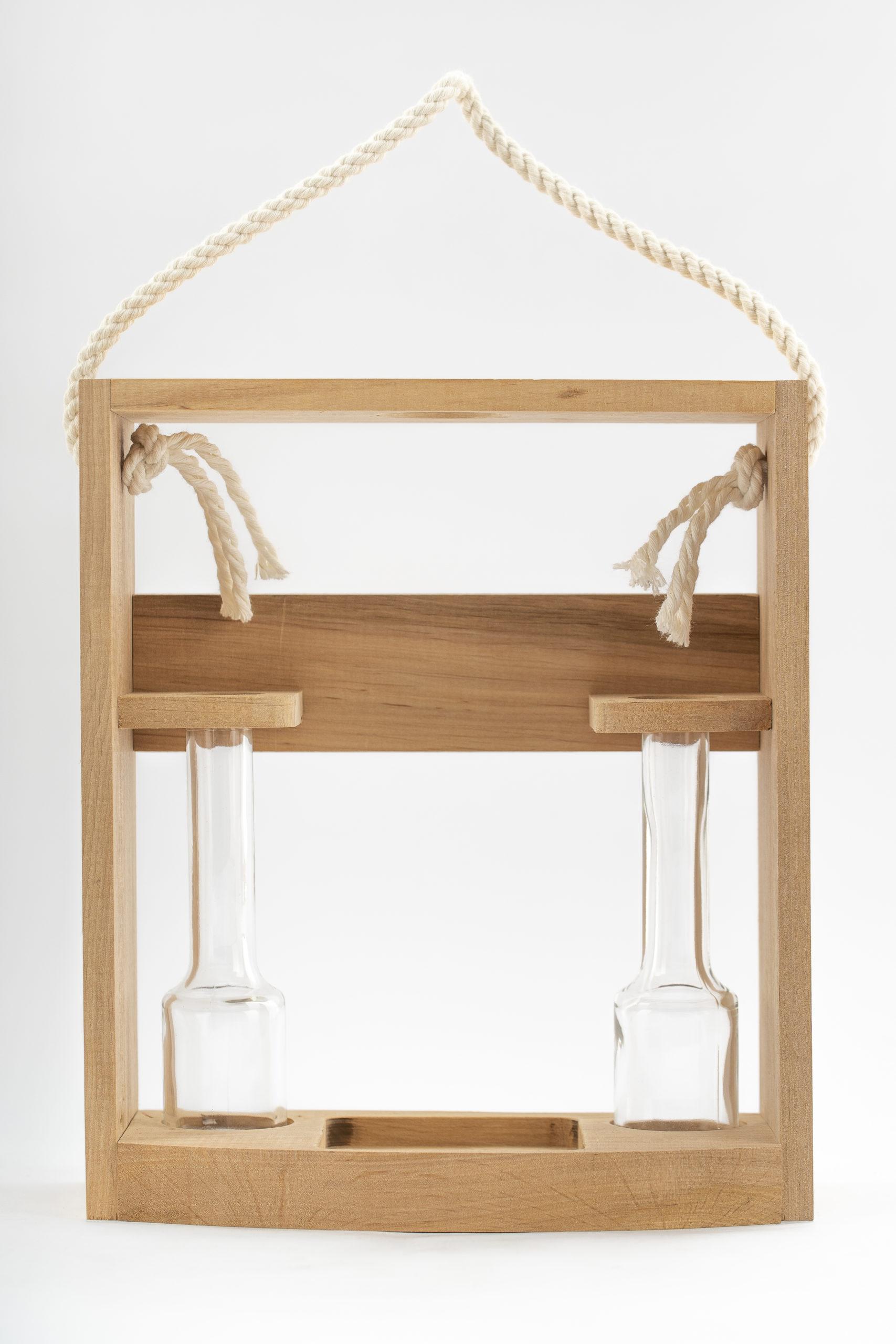 Dreveny stojan s pijackami pre flase Poctive scaled - Drevený stojan s 2 pijačkami